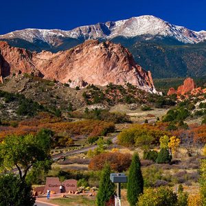 Picture of mountains and landscape of Colorado Rockies